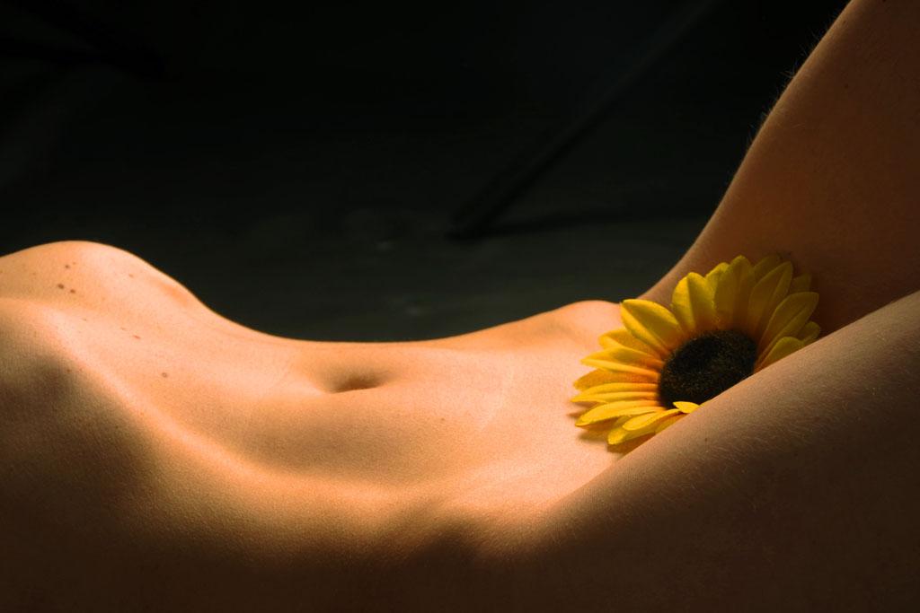 Еротична фотосесія - Зйомка в стилі Ню (18+)